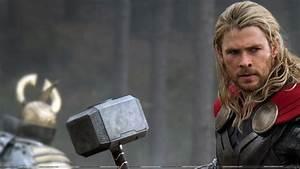 Thor chris hemsworth mjolnir thor: the dark world ...