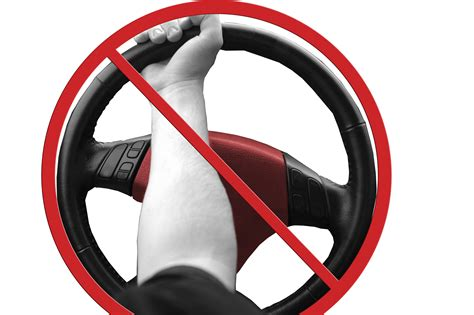 How To Hold [and Not Hold] Your Steering Wheel