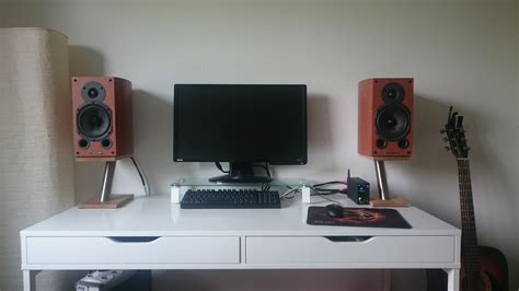 My Bedroom Setup (170$ Speakers, 200$ Amp, 20$ Diy Speaker