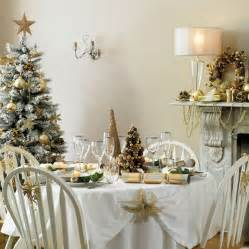 White Christmas Table Decoration Ideas