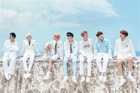 apakah member bts bahagia  big hit entertainment
