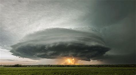 incredible supercell thunderstorm time lapse