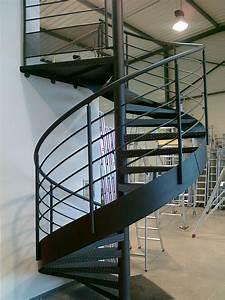 Escalier En Colimaçon : escalier en colima on m tallique gdmetal escaliers ~ Mglfilm.com Idées de Décoration