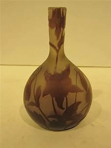 Petit Vase En Verre : galle petit vase soliflore en verre grave et degage a l 39 aci ~ Teatrodelosmanantiales.com Idées de Décoration