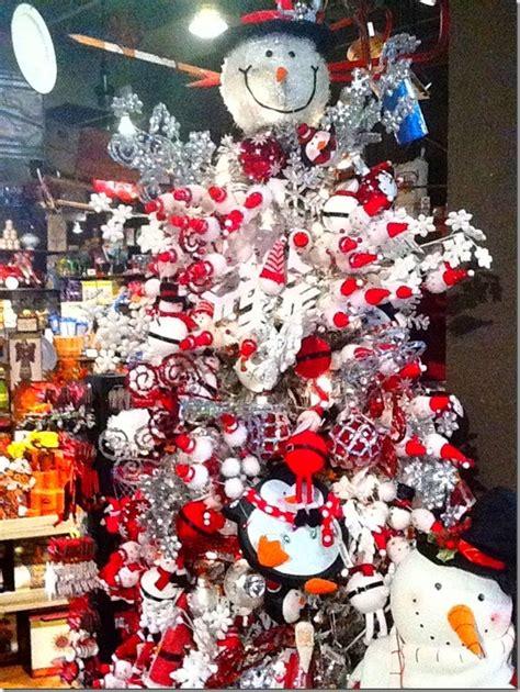 snowman christmas tree  cracker barrel snowman tree