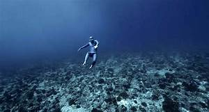 Ocean gravity amazing footage of a freediver flying for Ocean gravity current diving