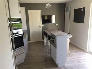 Refrigerateur Sous Plan De Travail : cuisine avec deux espaces fonctionnels meubles finition blanc mat avec poign es longues plan ~ Farleysfitness.com Idées de Décoration