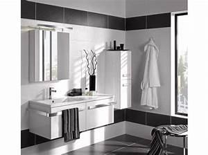 Carrelage Salle De Bain Noir Et Blanc : la salle de bains s 39 habille en noir et blanc elle d coration ~ Dallasstarsshop.com Idées de Décoration