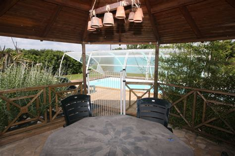 chambres d hotes marais poitevin gites chambres hotes piscine chauffee couverte marais poitevin