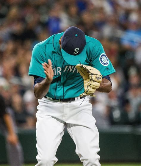 mariners use home run power and wade leblanc s pitching to