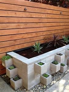 Jardinière En Bois Pas Cher : d corer son jardin avec des parpaings blocs de b ton ~ Dailycaller-alerts.com Idées de Décoration