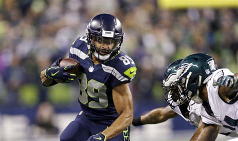 seahawks beat  nfc champion eagles