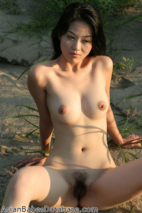 Nude Chinese Girl