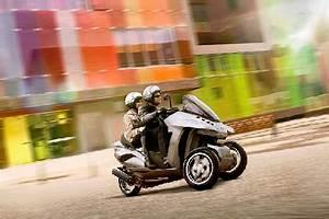 Scooter 3 Roues 125 : nouveau scooter 2014 nouveaut scooter nouveau scooter 3 roues 125 scooter pour permis b ~ Medecine-chirurgie-esthetiques.com Avis de Voitures
