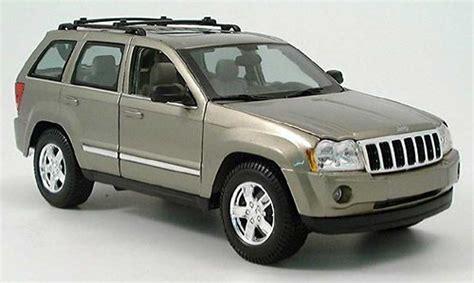 beige jeep grand jeep grand cherokee beige 2005 maisto modellauto 1 18