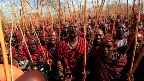 kenyas maasai gather     decade ceremony