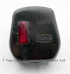 Walsall 13a Plug With Neon Indicator