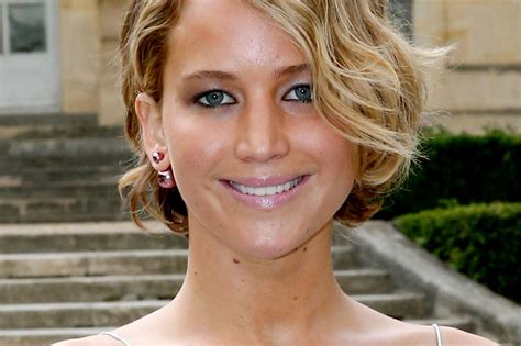 actress jennifer lawrence twitter twitter suspending all accounts that publish leaked nude