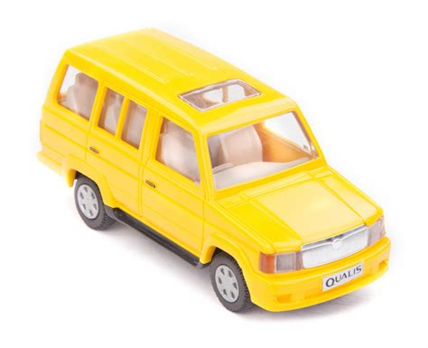 car toy buy centy toyota qualis pullback car toy yellow online