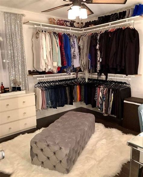 Bedroom Turned Tv Room by Pin By Kaylie Church On I Like Ur Selfies Closet Bedroom