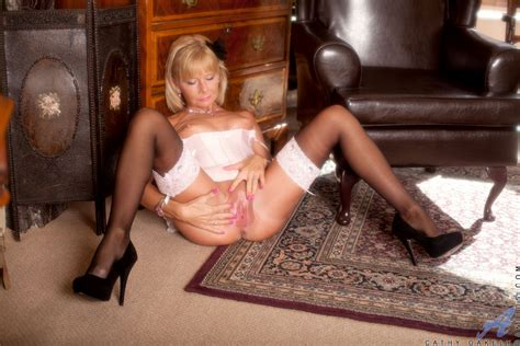 Mature Blonde Cathy Oakely Caress Her Minge Milf Fox