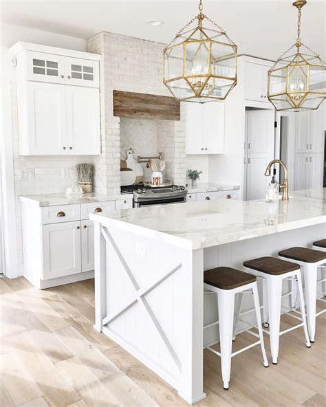 white kitchen light floors 53 best white kitchen designs kitchens white farmhouse 430 | b0107f854260d18960b039b930994db5