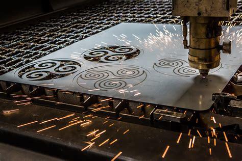 bureau industriel metal garde corps déco découpe laser