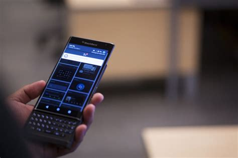 blackberry priv offers familiar flavour in a new shell