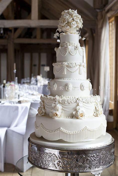 ideas  white wedding cupcakes  pinterest