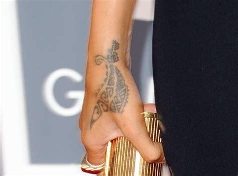 guide  rihannas tattoos   inkings