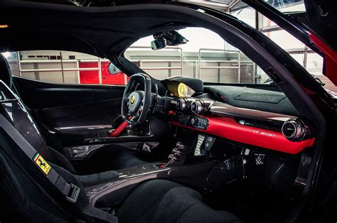 Ferrari Laferrari Review