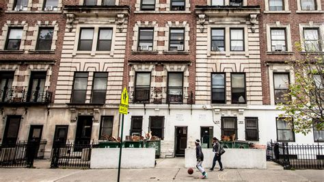 Nyc Apartment Laws by Airbnb Sues New Regulating New York Rentals The