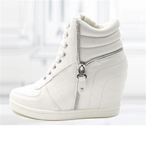 baskets femme montantes cuir unies chic elegantes semelles compensees blanches zippees