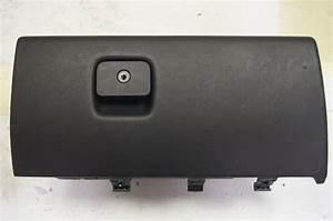 1967 Camaro Light Socket 2004 2009 Cadillac Xlr Glove Box Black Used 15913751