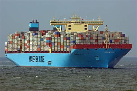 Vesselbid versteigert erstes containerschiff mit dem rekordergebnis von 14,2 millionen dollar nach fernost dem #containerschiff wurde das anlegen in einem italienischen hafen erlaubt. das-groesste-containerschiff-der-welt - Industrie.de