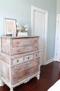 38 adorable white washed furniture pieces for shabby chic for Whitewashed furniture