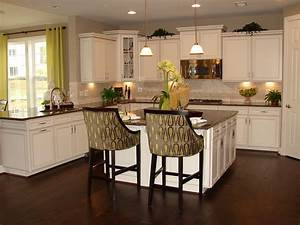 Timeless kitchen idea antique white kitchen cabinets for What kind of paint to use on kitchen cabinets for make my own wall art
