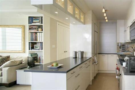 cuisine en parall鑞e aménagement cuisine petit espace conseils et astuces