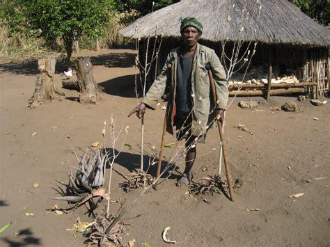 File:Land mine victim 2 (4364914733).jpg - Wikimedia Commons