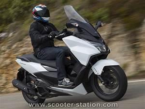 Scooter Forza 125 : honda forza 125 abs 2015 motostation ~ Medecine-chirurgie-esthetiques.com Avis de Voitures