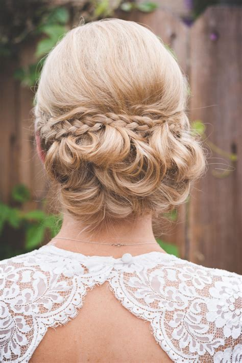 10 wedding hairstyles for hair you ll def want to steal weddingwire