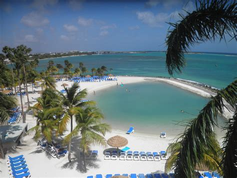hotel review renaissance aruba resort casino points