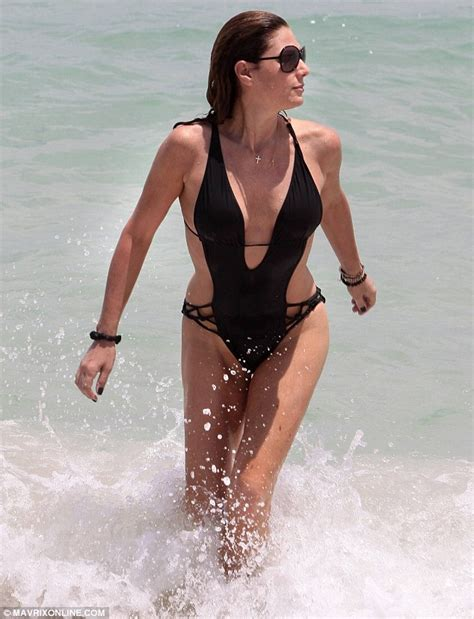 daisy fuentes sexy daisy fuentes goes for a dip and flaunts her astonishing