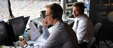 No, Joe Buck Does Not Hate Your Favorite Sports Team - TV ...