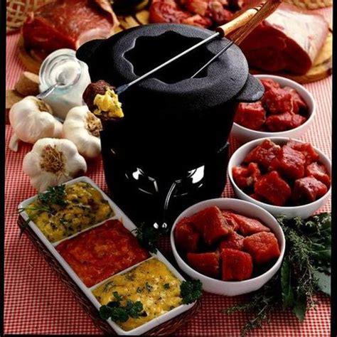 la fondue bourguignonne ces recettes qui nous font aimer l hiver