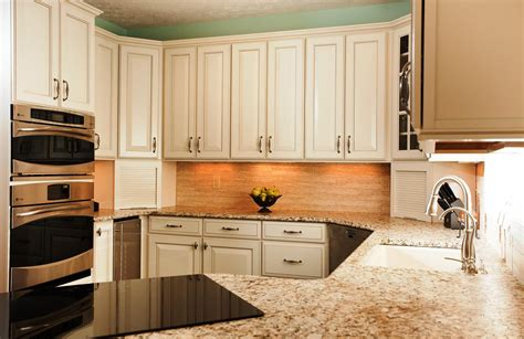 kitchen paint ideas with cabinets popular kitchen cabinet colors 5 kitchen color ideas