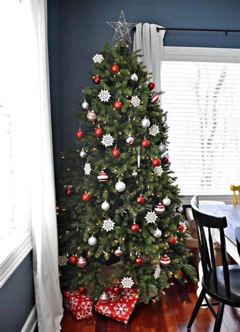 red  silver sparkle christmas tree decorating ideas