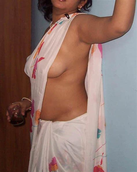 Indian Sexy Babes Expose Their Lovely Natural Boobies