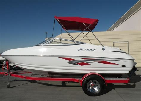 Larson Boats Senza 186 by 2008 Used Larson Senza 186 Bowrider Boat For Sale