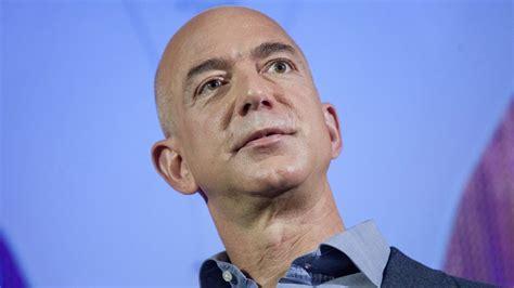 20 Years Ago, Jeff Bezos Said This 1 Thing Separates ...